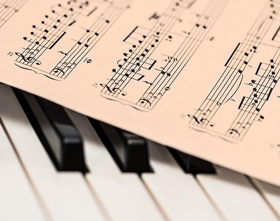 O muzyce przy muzyce - zawieszone