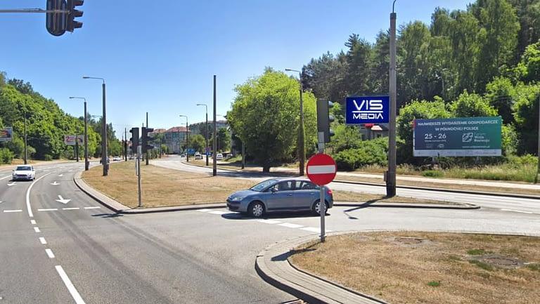 skrzyżowanie ulic Chwaszczyńskiej oraz Nowowiczlińskiej w Gdyni, agencja reklamowa Vismedia